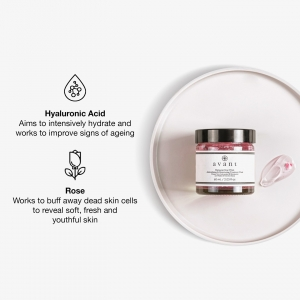 You always go crazy for our Damascan Rose Petals Antioxidising & Retexturing Treatment Mask 🌹  This soft jelly, rich in precious petals aims to moisturise, reduce signs of ageing and brighten skin 🌹 . . . #roseskincare #facemask #rosefacemask #rose #antiageing #antiageingskincare #avantskincare #crueltyfreebeauty #influencer #influencerskincare #luxuryskincare #skincarereview #sustainableskincare #skincareroutine #tlc #athomespa #skincarehaul