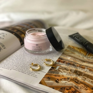 How do you relax and unwind after a long day? We definitely recommend a mid week mask!🙌☁️💆♀️