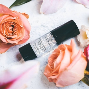 Have you used White Caviar in your skincare?  Harboring exceptional brightening, firming and antioxidant properties, White Caviar aims to protect skin whilst restructuring uneven skin tone, reducing the appearance of fine lines and wrinkles and leaving skin with an illuminated youthfulness✨ 