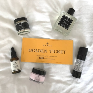 What did you order to be entered into our Golden Ticket draw? ​ ​Let us know in the comments ⭐