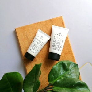 Whether you're looking for a mask or an serum, we've got your skincare routine covered. Go any questions about our products? Ask them below!🍃  Collagen Intense Radiance Activator Serum   Discovery Edit -  Harmonious Rose Quartz Revitalizing & Firming Mask   #skincare #skincarequiz #wellnesswednesday #serum #facemask