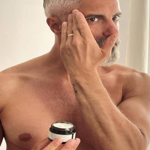 @guilledevelasco using ourAdvanced Bio Ultra-Fine Texture Day Moisturiser💧  This product:  1️⃣ Aims to develop an anti-pollution layer  2️⃣ Helps prevent the signs of ageing  3️⃣ Works to hydrate intensely  4️⃣Provides a mattified complexion  5️⃣ Aims to make skin look and feel healthier  Have you tried it?