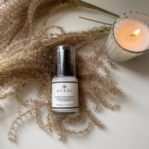 Do you use a nighttime serum?🌙   Designed to address multiple signs of ageing in one powerful yet lightweight formula, this fast-absorbing night serum is inspired by research into skin volume and line-relaxing, aiming to significantly re-establish volume, visibly plumping and re-contouring for visibly firmer skin with increased resilience.